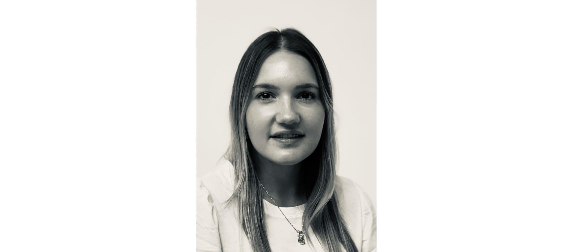 Jasmin Strobel als Assistentin bei der HTC-Baukadervermittlung